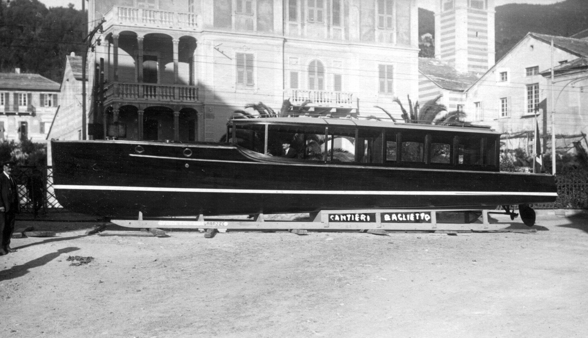 1930 – Battello automobile per trasporto passeggeri