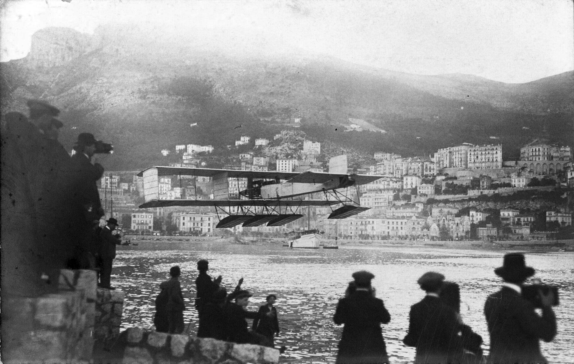 "1912 – Idrovolanti Canard Voisin al ""Première meeting d'Hydro de Monaco"""