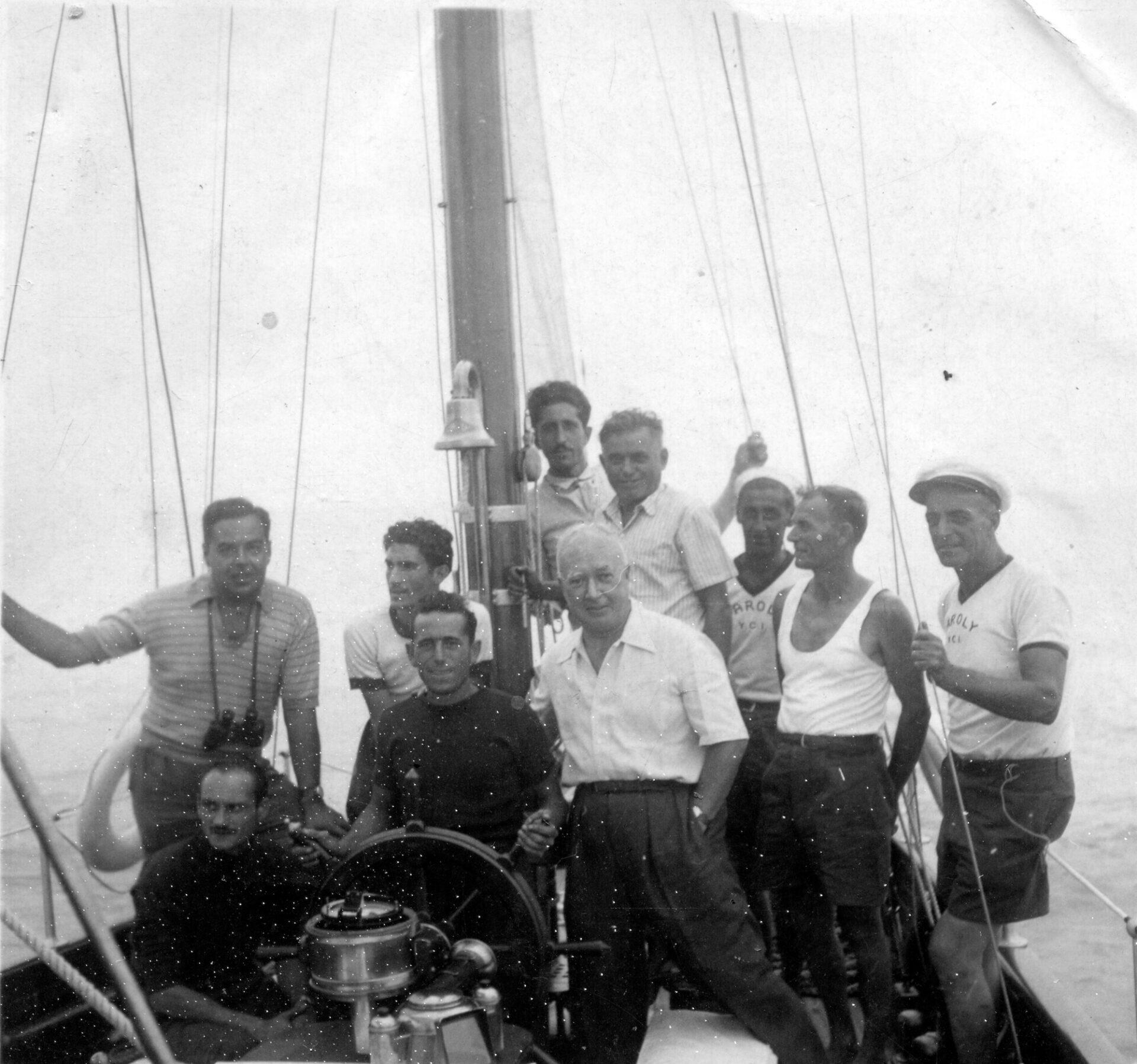 1948 – Dipendenti del cantiere ed equipaggio a bordo di Caroly
