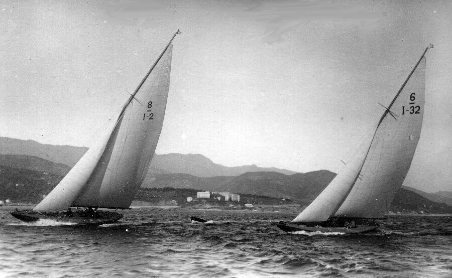 1934 - Bona 8M S.I. in regata con un 6M S.I.